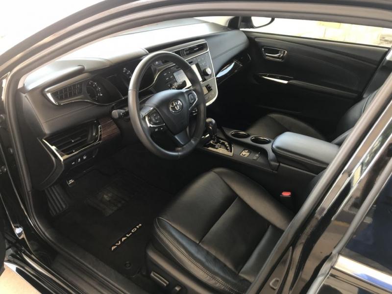 Toyota Avalon 2015 price $17,995