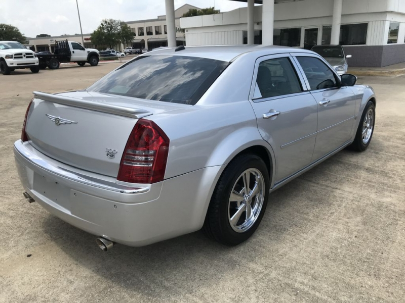 Chrysler 300 2005 price $6,995 Cash