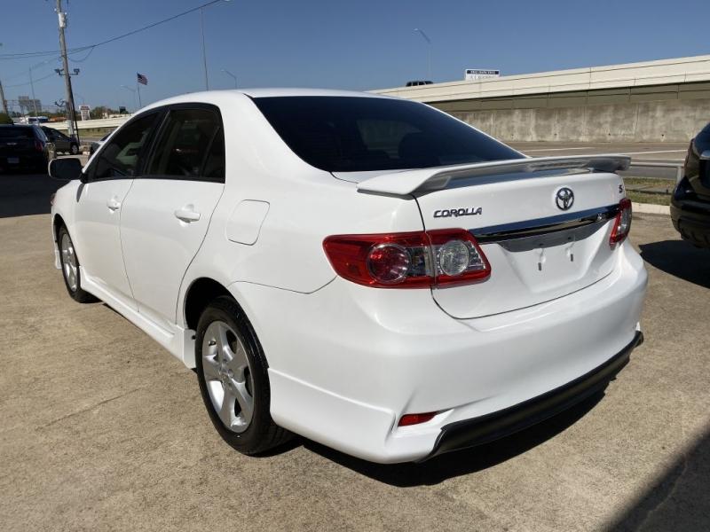 Toyota Corolla 2011 price $7,500