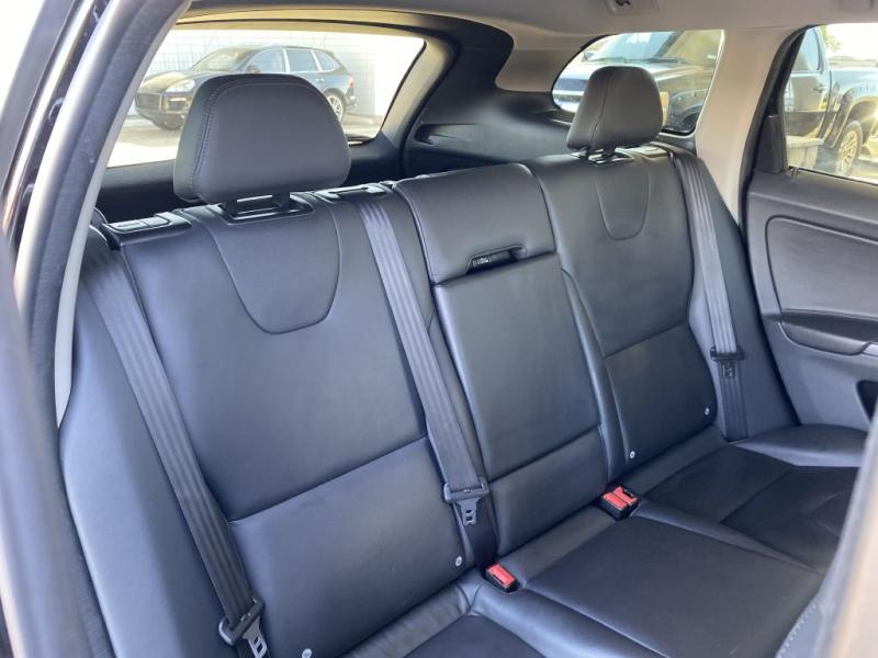 Volvo XC 60 2016 price $17,500