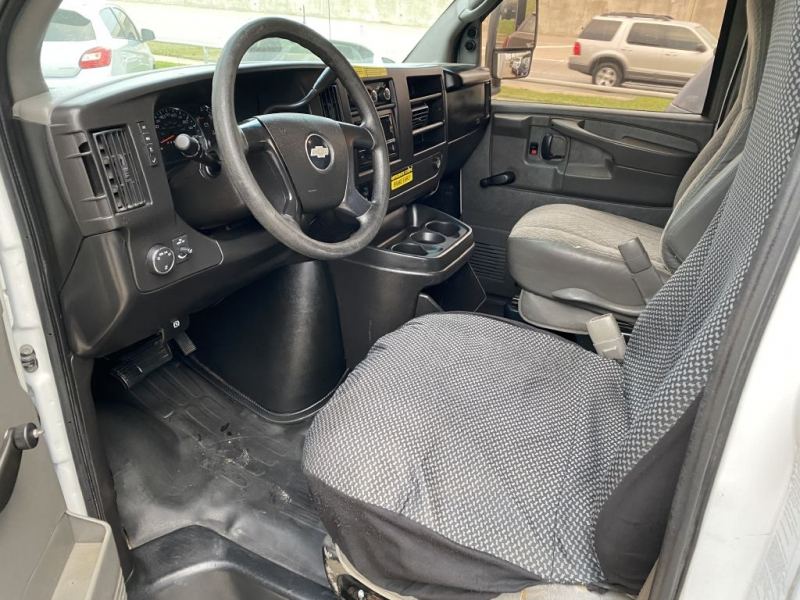 Chevrolet Express Commercial Cutaway 2009 price $5,995 Cash