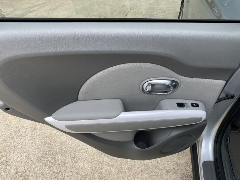 Kia Soul EV 2017 price $13,600