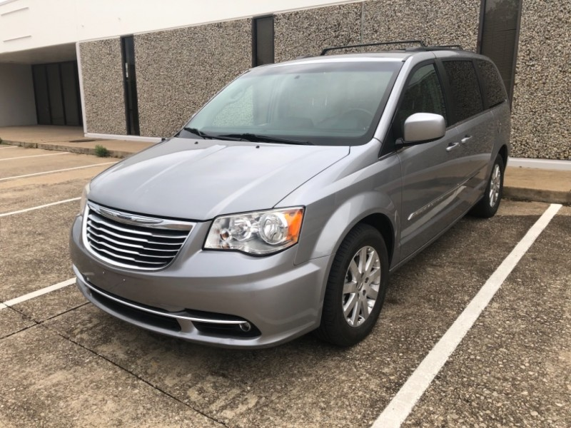 Chrysler Town & Country 2014 price $7,999