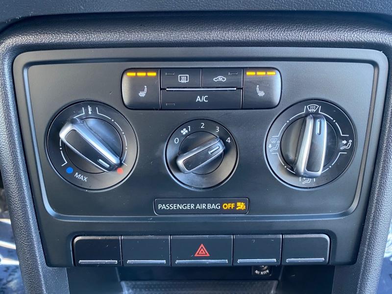 Volkswagen Beetle Coupe 2014 price $9,999