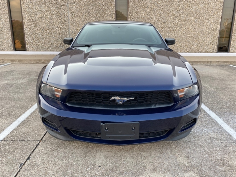 Ford Mustang 2012 price $8,999