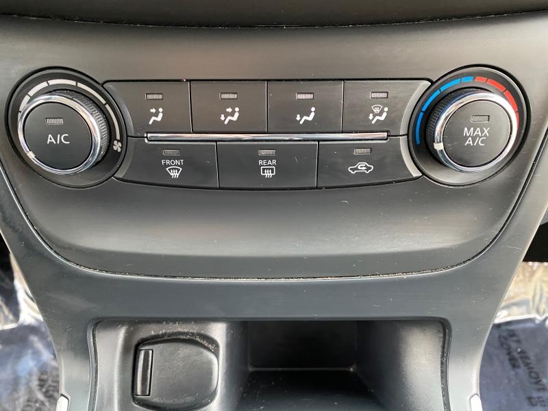 Nissan Sentra 2017 price $9,899