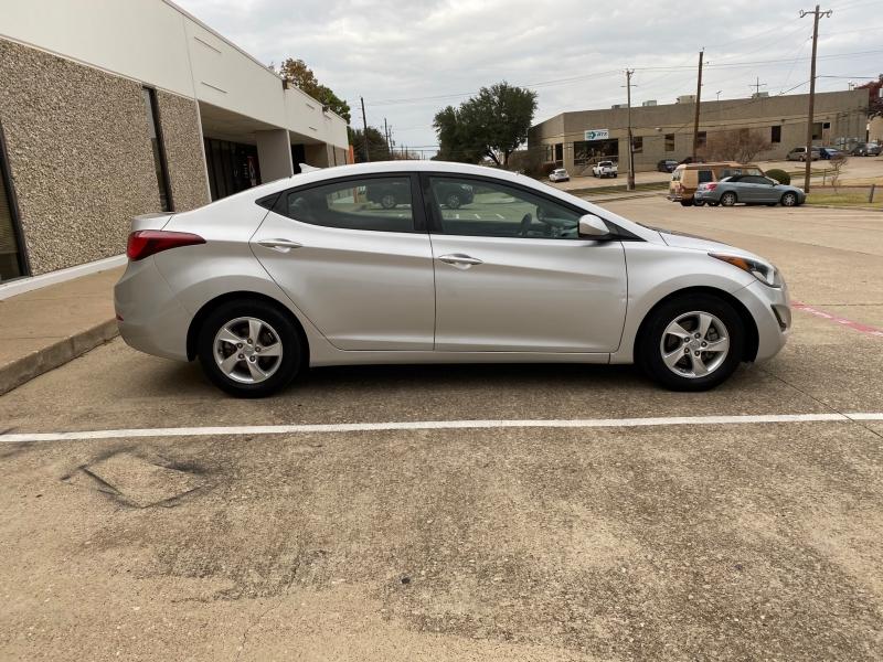 Hyundai Elantra 2015 price $8,250