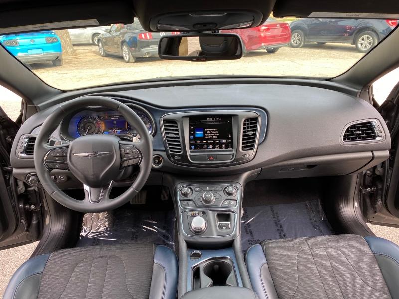 Chrysler 200 S 2016 price $10,499