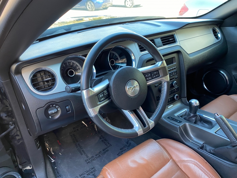Ford Mustang 2013 price $17,999