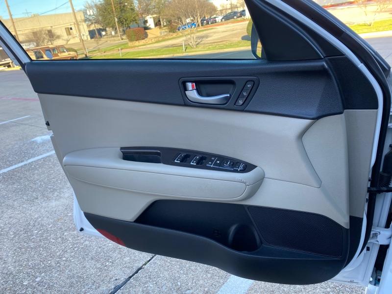 Kia Optima 2016 price $13,499