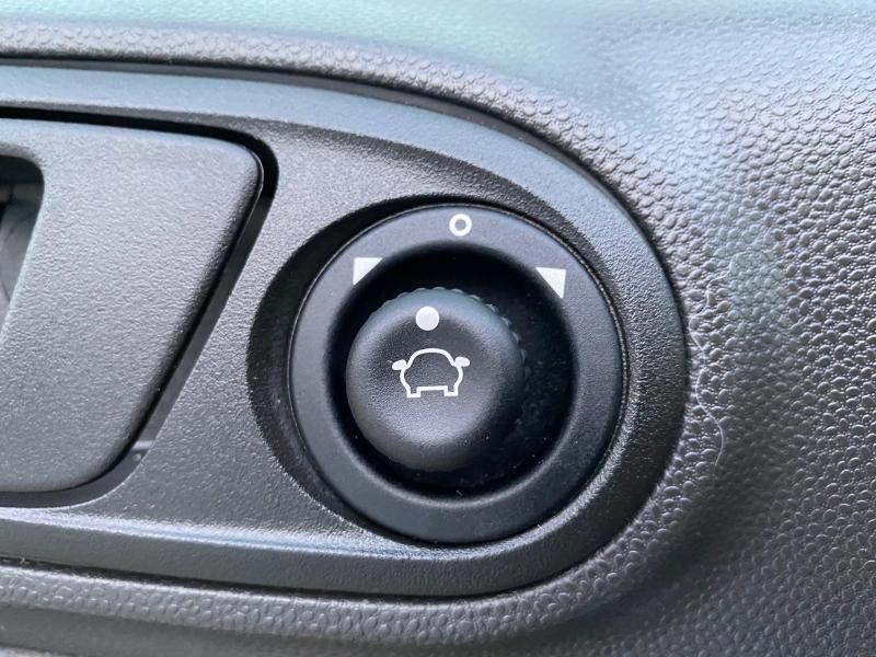 Ford Fiesta 2019 price $8,999