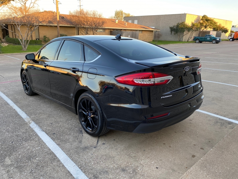 Ford Fusion 2019 price $17,999