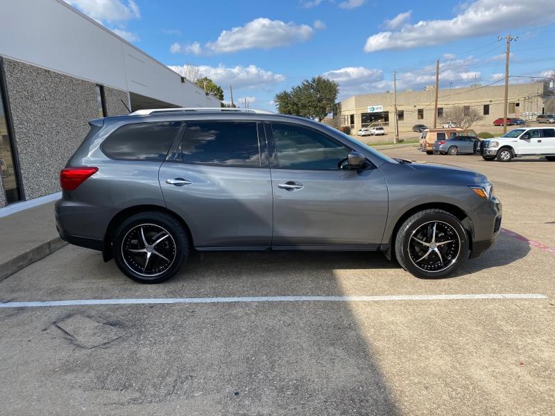 Nissan Pathfinder 2017 price $14,750