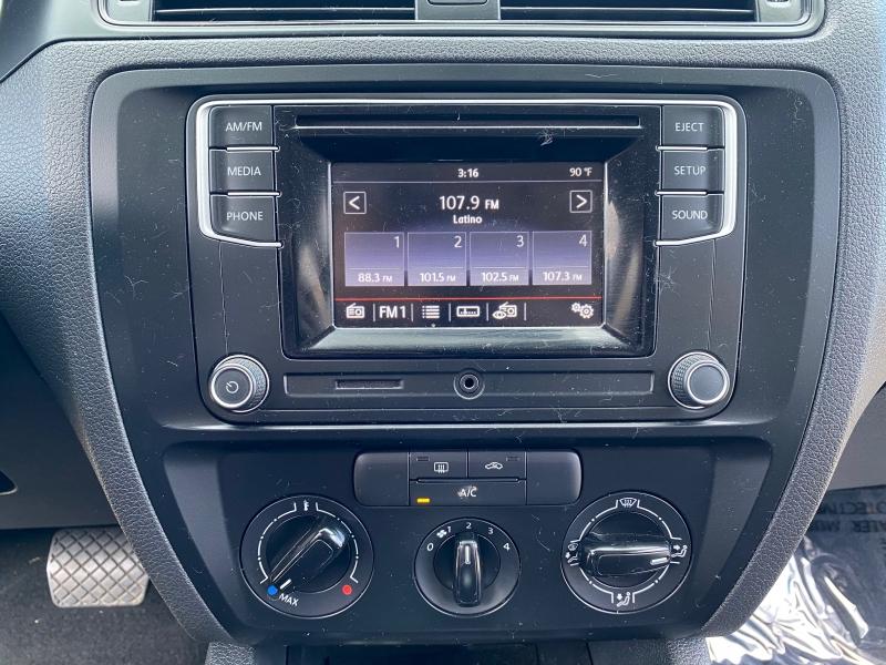 Volkswagen Jetta Sedan 2016 price $8,999