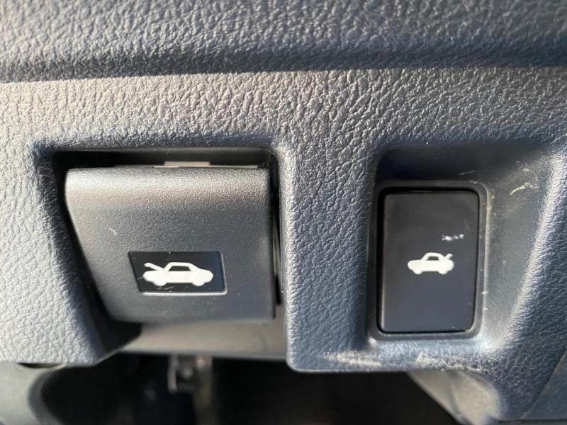 Lexus RC 2017 price $31,999
