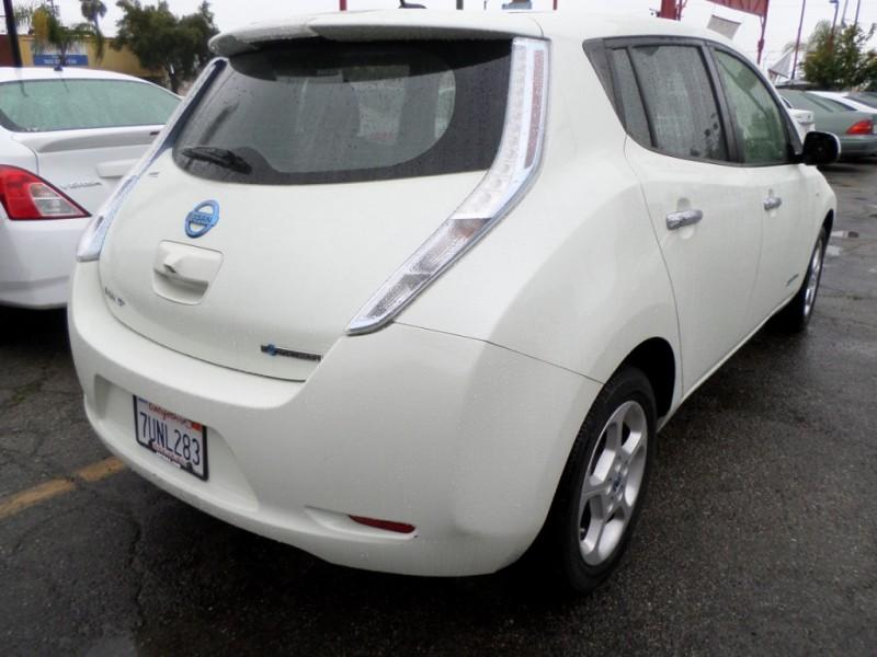 Nissan LEAF 2012 price $7,950