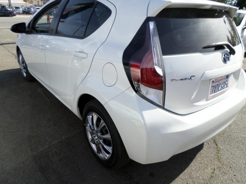 Toyota Prius 2016 price $8,450