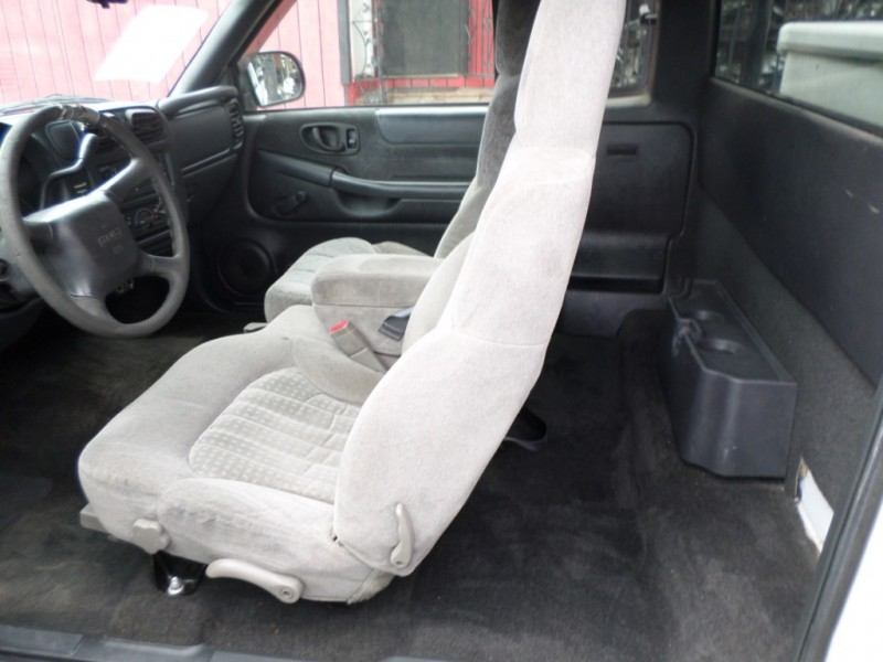GMC Sonoma 1999 price $4,450
