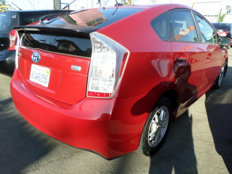 Toyota Prius 2010 price $8,950