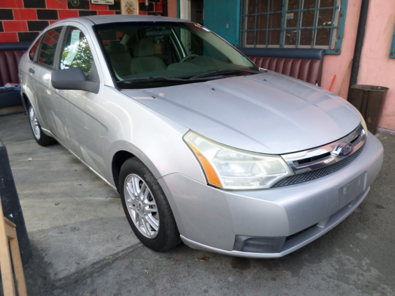 Ford Focus 2009 price $5,950