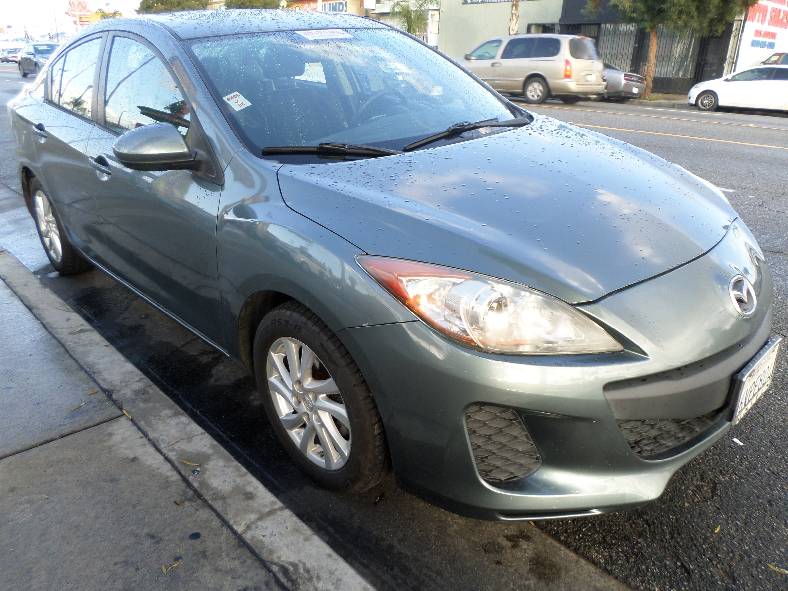 2012 Mazda Mazda3  Auto i Touring *Ltd Avail*