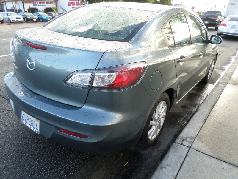 Mazda Mazda3 2012 price $8,450