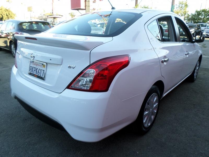 Nissan Versa Sedan 2018 price $9,950