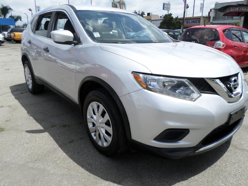 Nissan Rogue 2016 price $10,950
