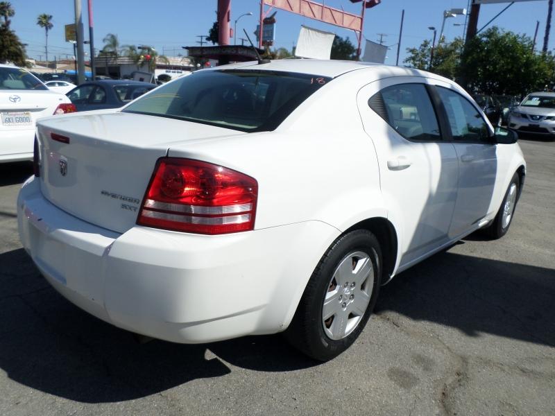 Dodge Avenger 2010 price $5,450