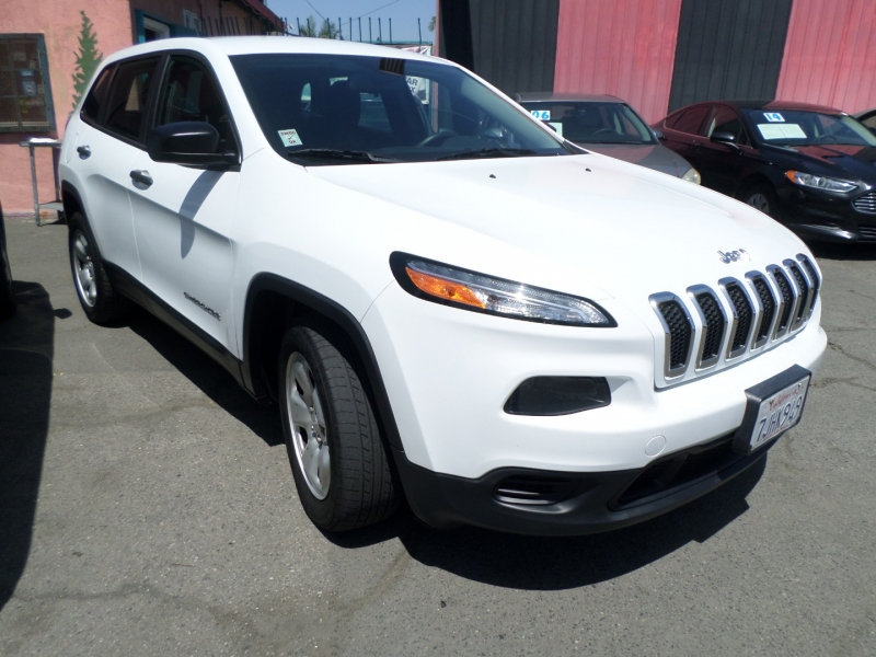 Jeep Cherokee 2015 price $12,950