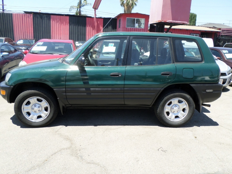 Toyota RAV4 1999 price $5,450