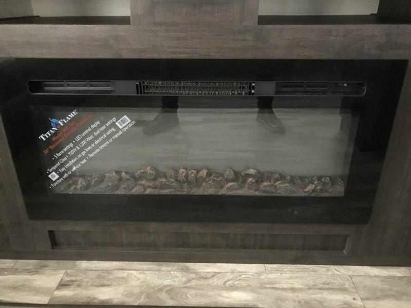 Shasta Phoenix 30RLS 2019 price $39,994