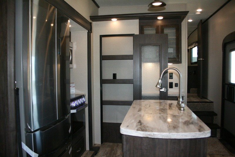 Shasta Phoenix 298RLS 2020 price $45,985