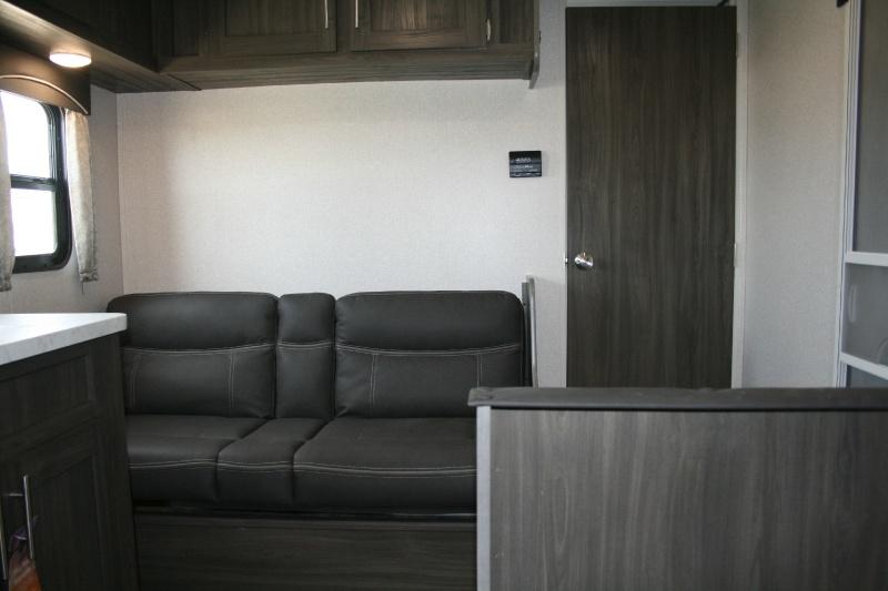 Shasta 26BH 2020 price $18,465