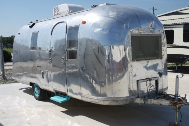 1966 Airstream LAND YACHT