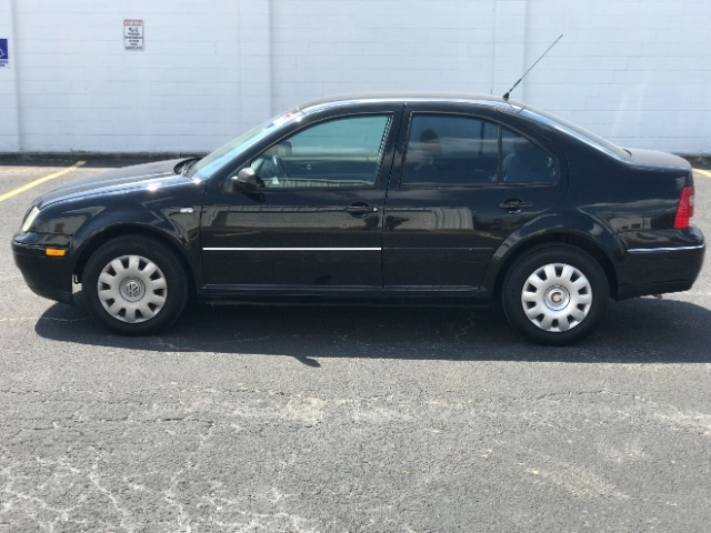 Volkswagen Jetta 2004 price $1,799