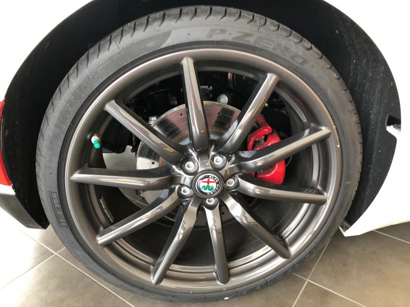 Alfa Romeo 4C Spider 2018 price $76,888