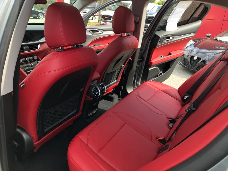 Alfa Romeo Stelvio 2018 price $46,888