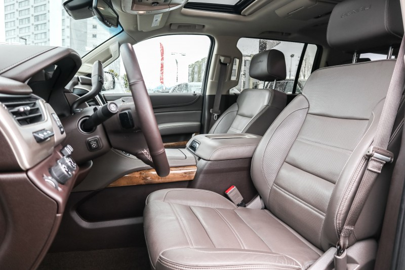 GMC Yukon XL 2016 price $52,999
