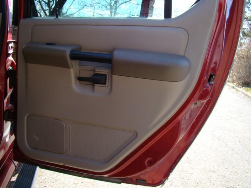 Ford Explorer Sport Trac 2004 price $4,995