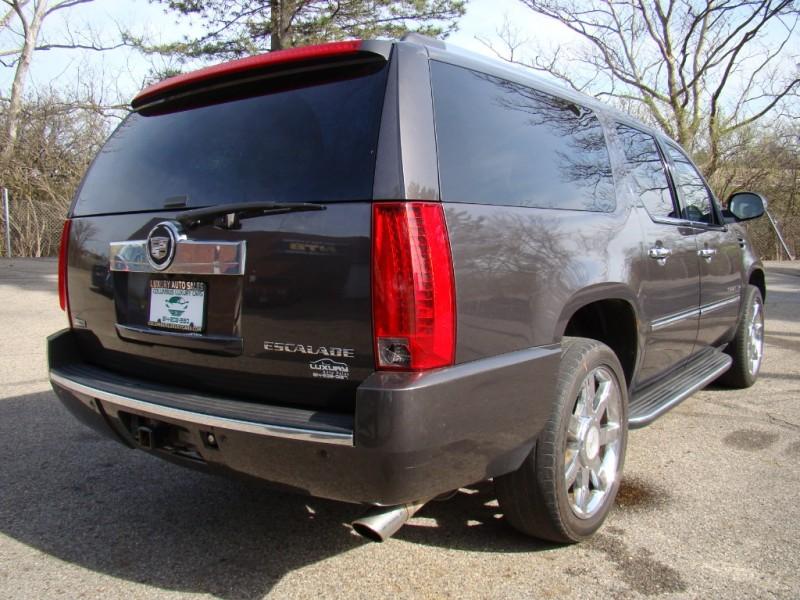 Cadillac Escalade ESV 2011 price $18,815