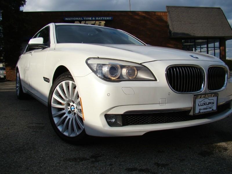 BMW 7-Series 2012 price $17,988