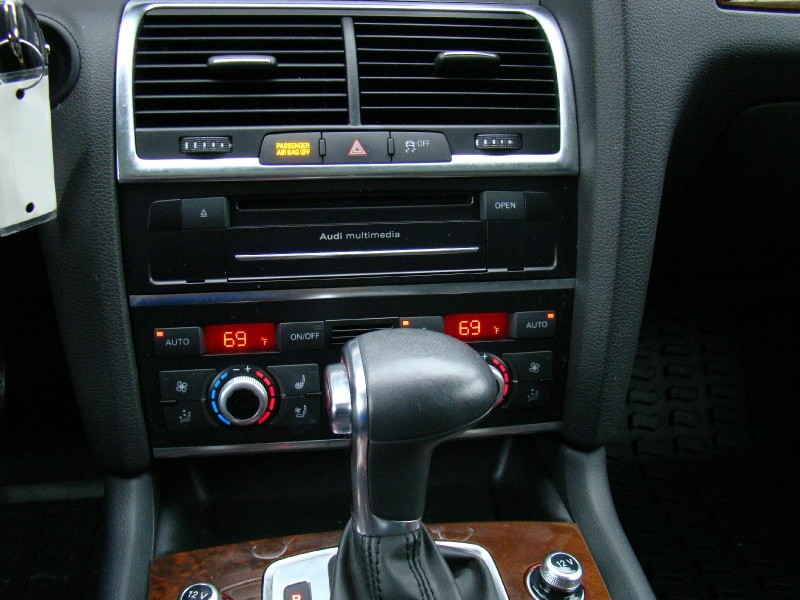 Audi Q7 2012 price $21,995