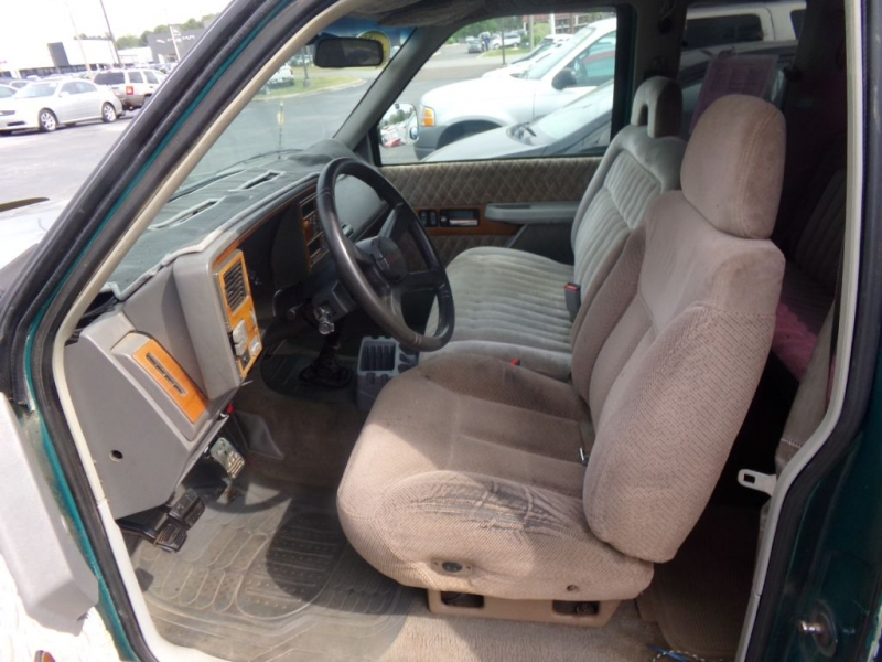 CHEVROLET GMT-400 1993 price Call for price