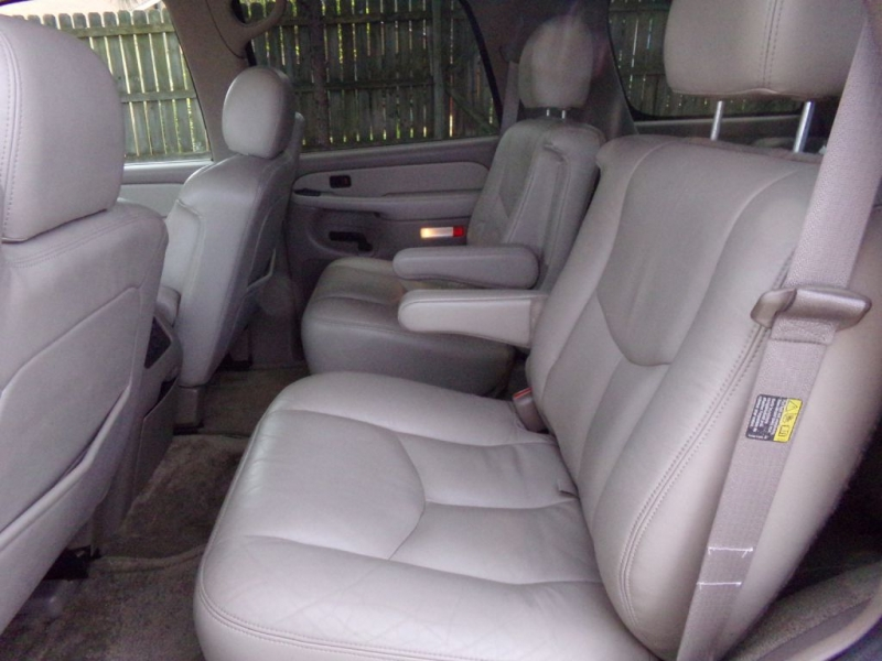 GMC YUKON 2003 price Call for price