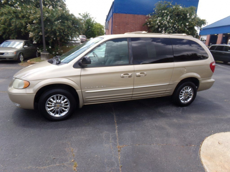 CHRYSLER TOWN & COUNTRY 2001 price Call for price