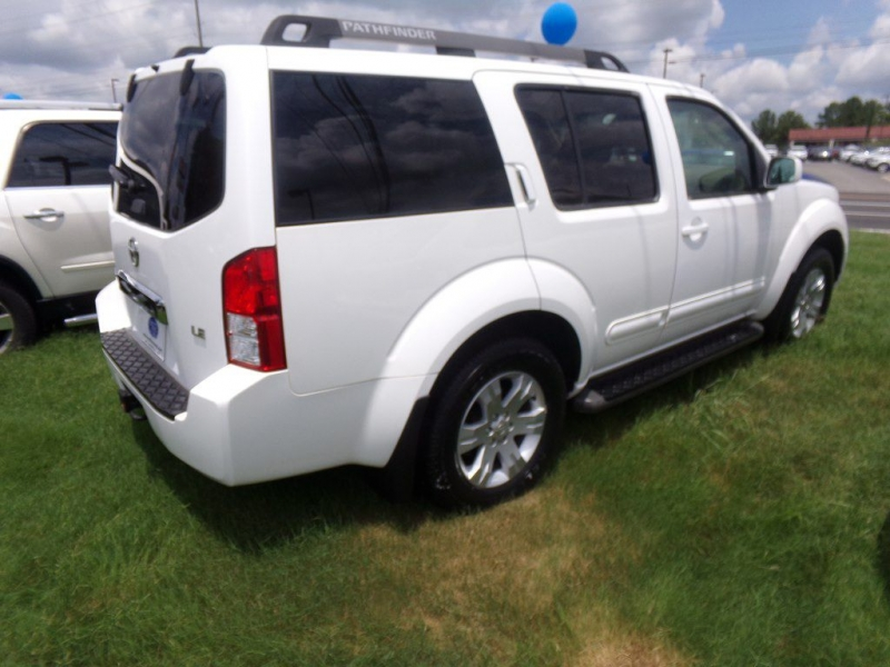 NISSAN PATHFINDER 2005 price Call for price
