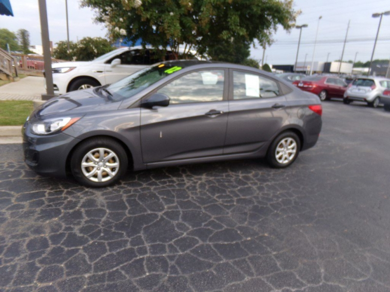 HYUNDAI ACCENT 2012 price Call for price