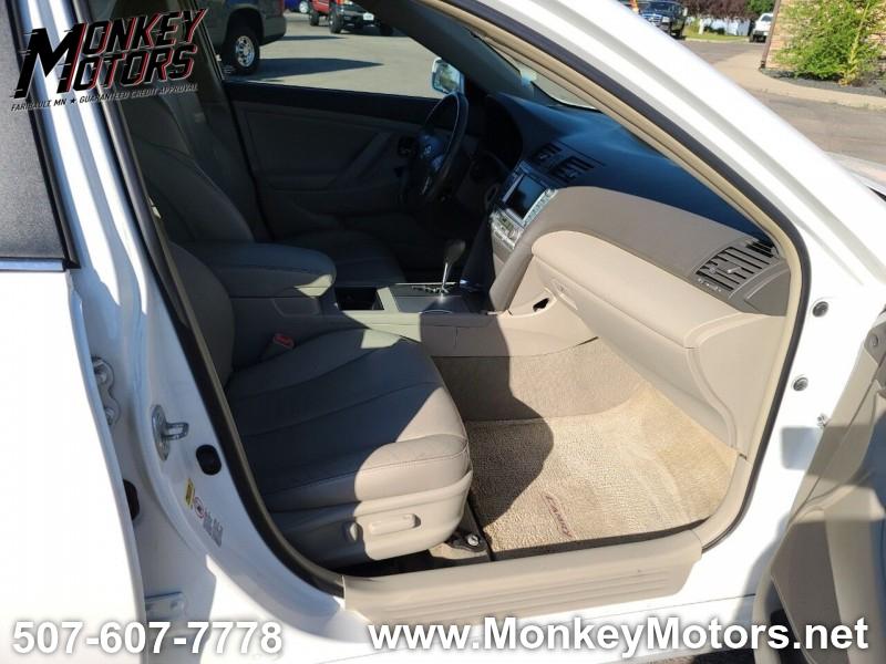 Toyota Camry Hybrid 2009 price $6,995