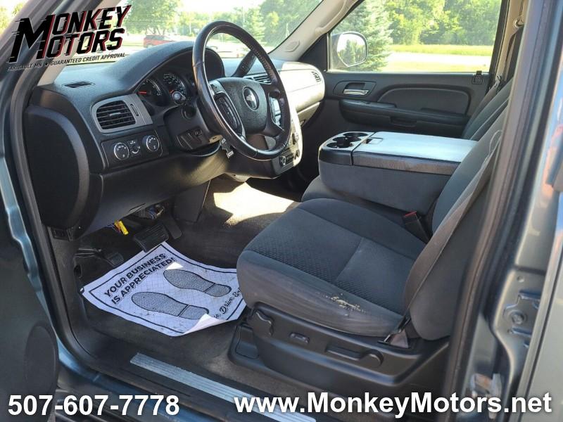 Chevrolet Suburban 2008 price $7,995